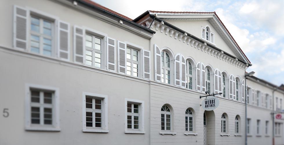 MAXIMILIAN-Gelbschalen-Gebäude